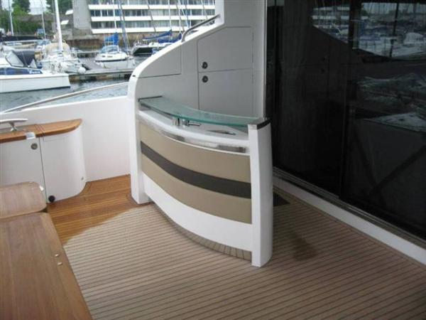 Princess Yachts 85MY