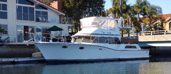 Symbol Yachts Cockpit Motoryacht