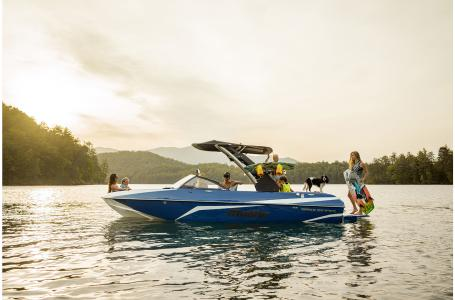 Malibu Boats LLC Wakesetter 21 VLX