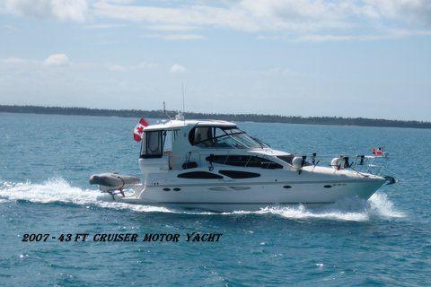Cruisers 415 Express Motoryacht  FRESH WATER BOAT Cruisers 415 Express Motoryacht