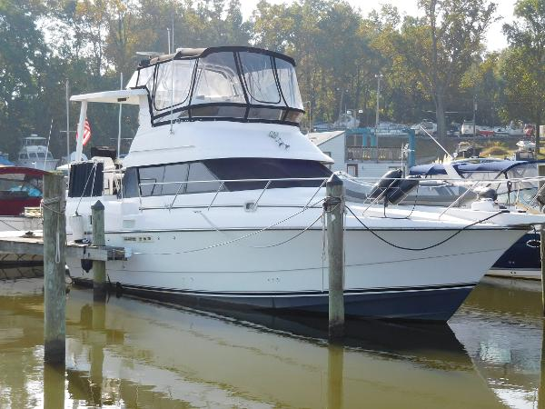Silverton 34 Motor Yacht
