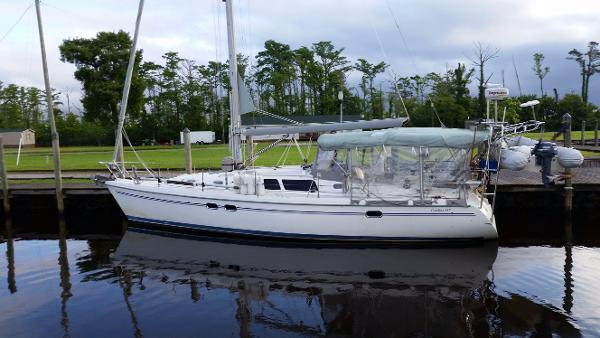 Catalina 387 Port Profile