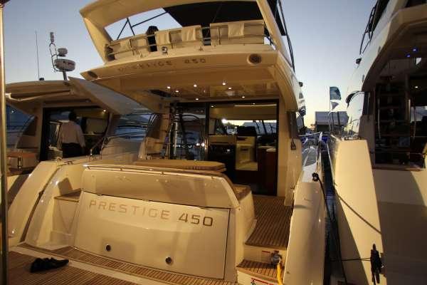 Prestige 450 Flybridge