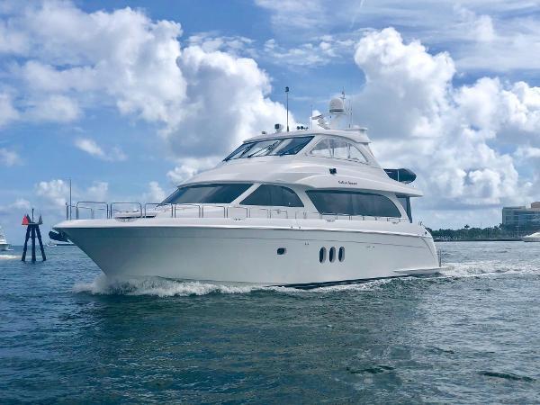 Hatteras 72 Motor Yacht Port Bow Quarter