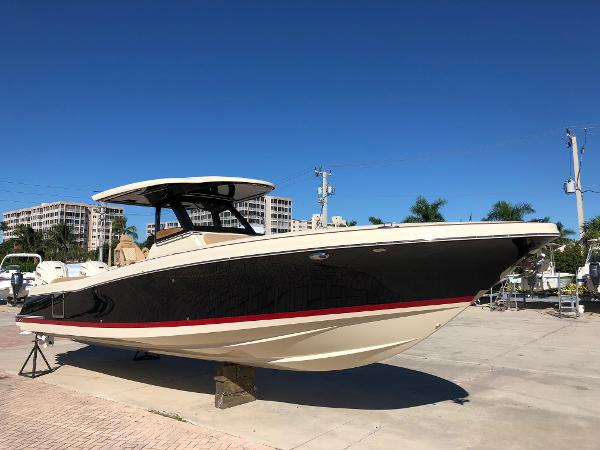 Chris-Craft 34 Catalina