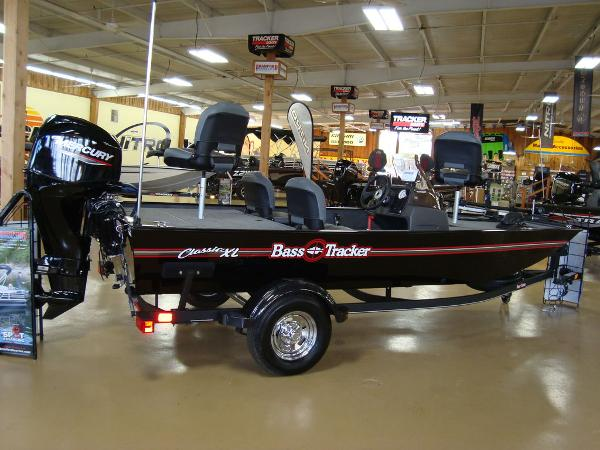 Tracker Boats Bass Tracker® Classic XL