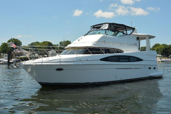 2002 carver 466 motor yacht rhode island for Luxury motor boats for sale