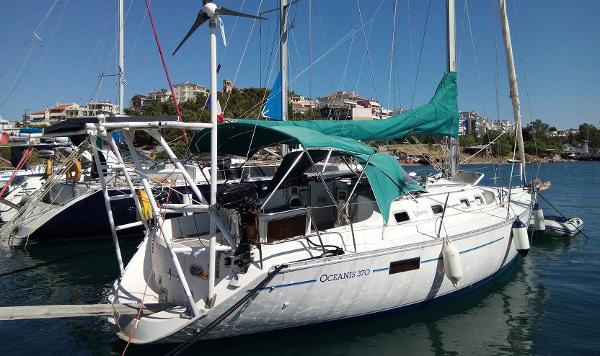 Beneteau Oceanis 370 Beneteau Océanis 370 for sale in Greece