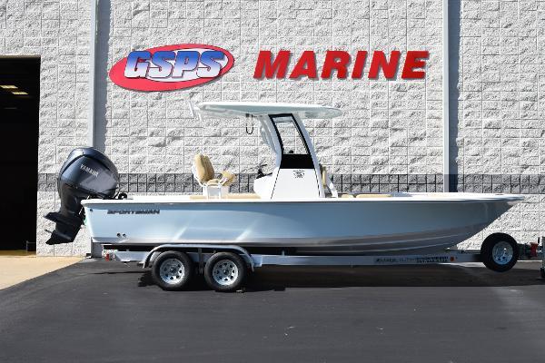 Sportsman Masters 247OE Bay Boat