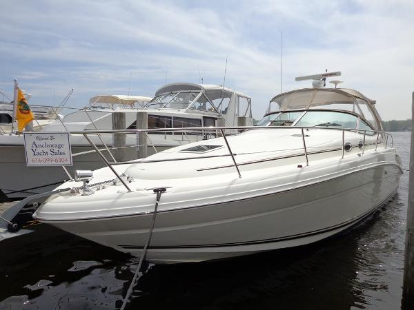 Sea Ray 360 Sundancer Exterior 1