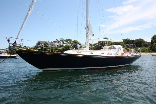 Hinckley Bermuda 40 MK III Sloop