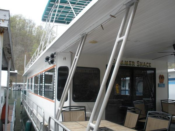 Jamestowner 16x65 Houseboat
