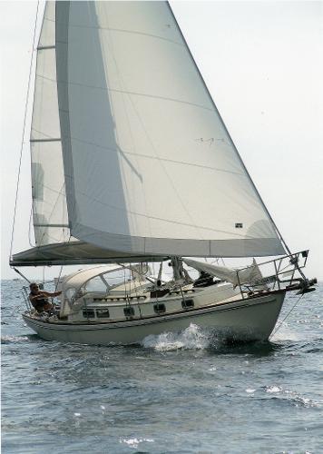Sea Sprite 34 Port side tack