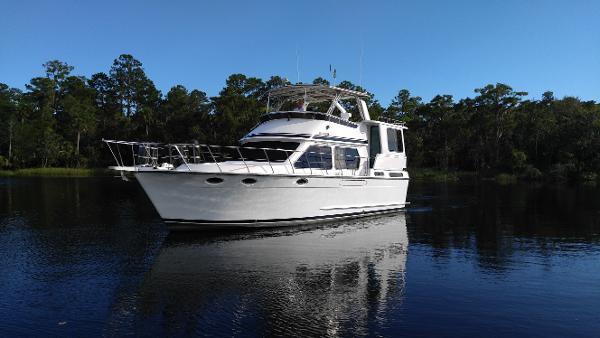 Aquarius Motor Yacht