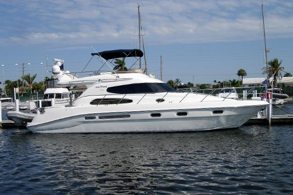 Sealine T47 Profile