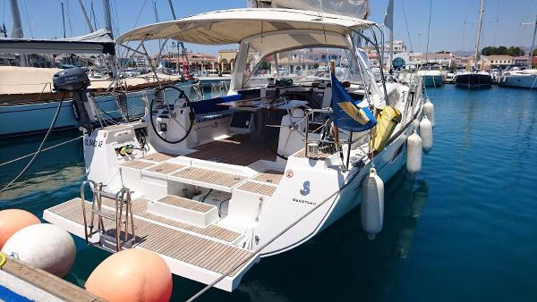 Beneteau Oceanis 45 Moored up