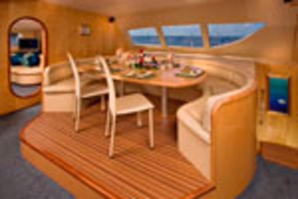 Matrix Yachts Silhouette 760 Saloon