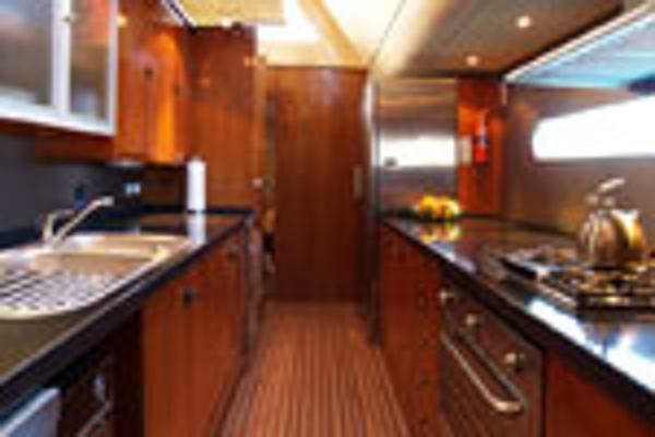 Matrix Yachts Silhouette 760 Galley