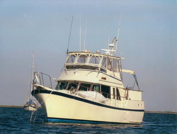 Hatteras 42 Long Range Cruiser