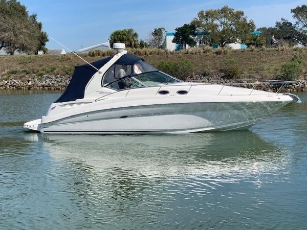 Sea Ray 320 Sundancer Starboard Profile