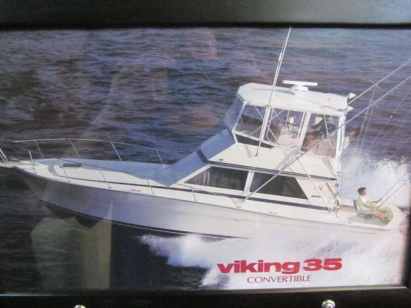 Viking 35 Convertible Main