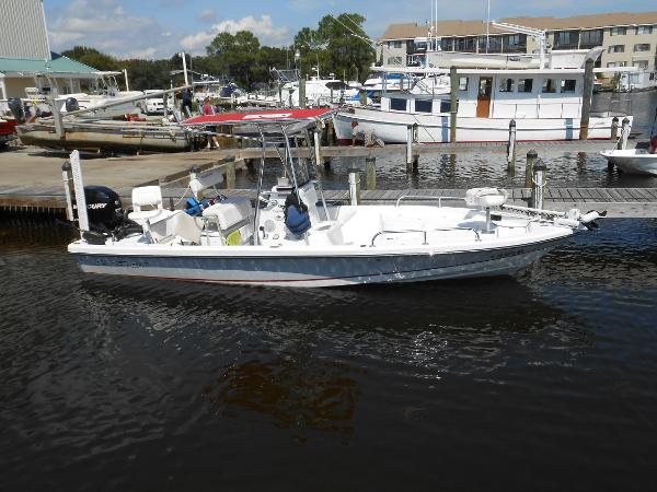 Blazer Boats 2420 CC