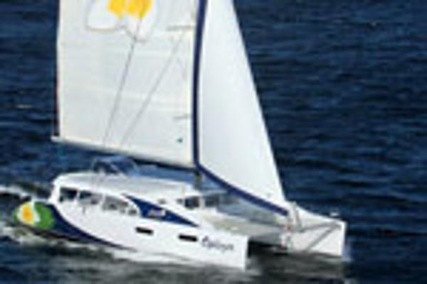 Matrix Yachts Mirage 760 - Sailing 1