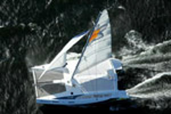 Matrix Yachts Mirage 760 - Sailing 4