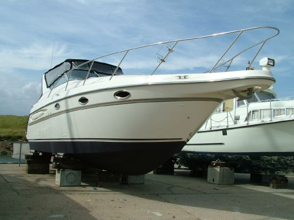 Maxum 3000 SCR Starboard bow