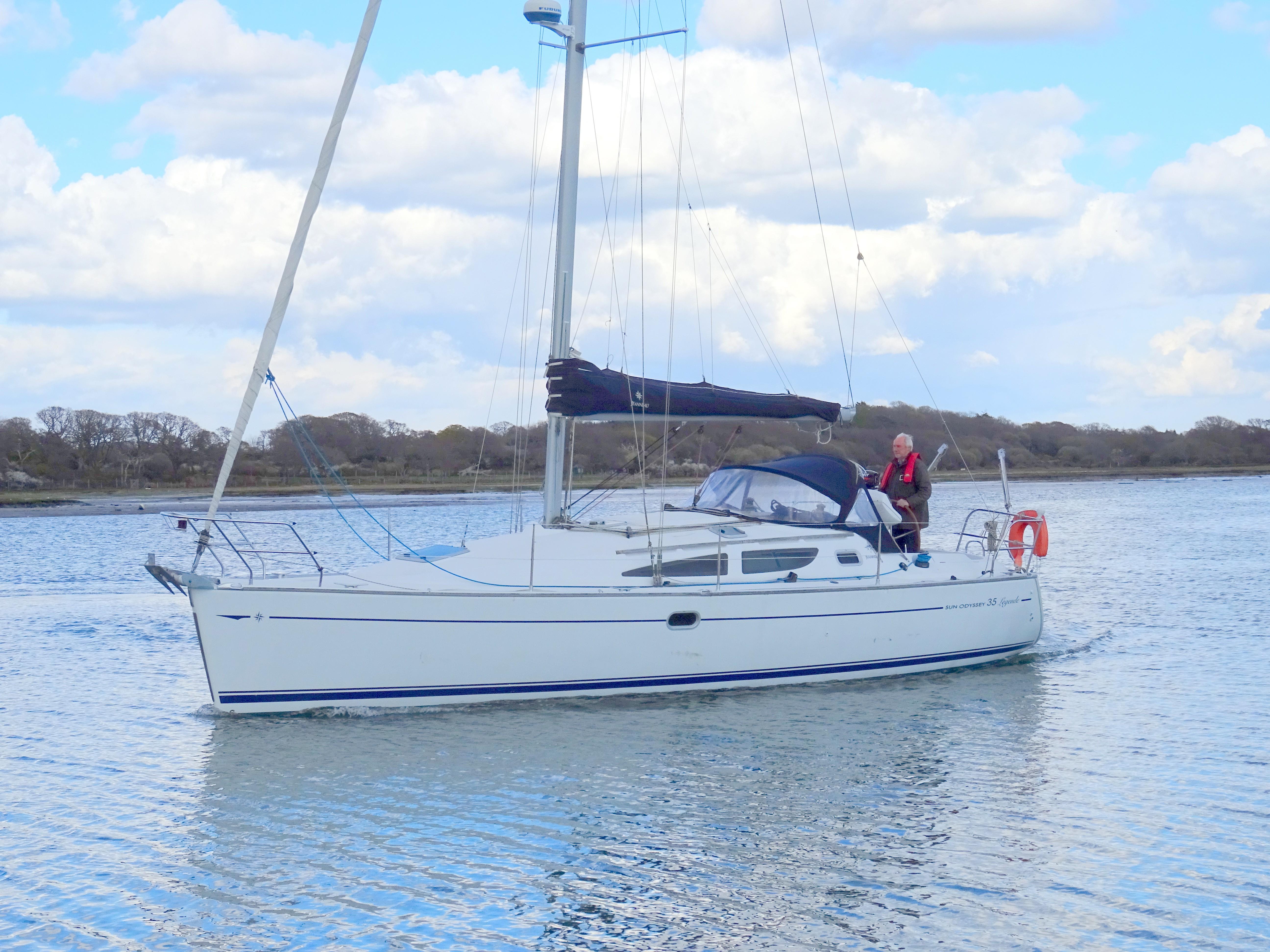 Jeanneau Sun Odyssey 35 Lift Keel