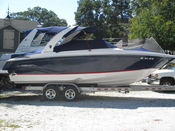 Regal 2700 ES Bowrider Main