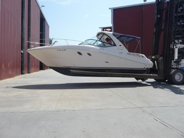 Sea Ray 310 Sundancer Exterior Portside