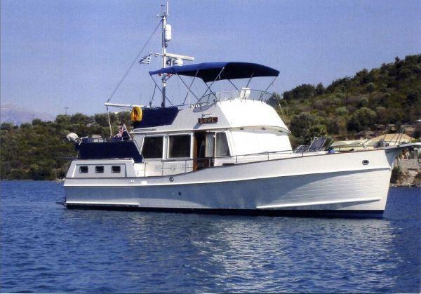 Grand Banks 42 Motor Yacht Owl at anchor