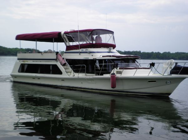 Blue Water 51 Coastal Cruiser Bow Profile