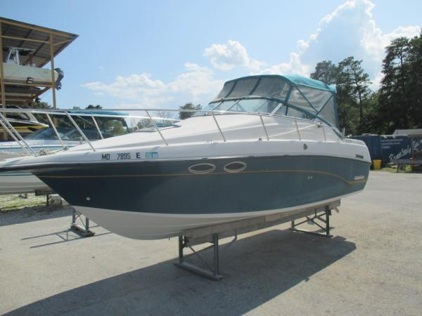 Crownline 250 Port Bow