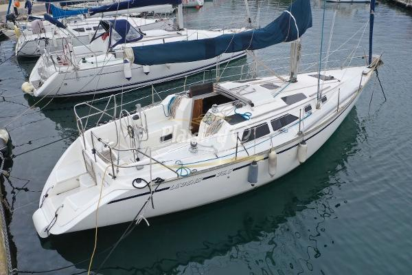 Hunter Legend 35.5 Hunter Marine Legend 35.5