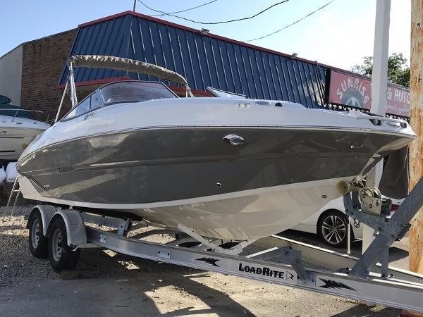 Stingray 234 LR Outboard
