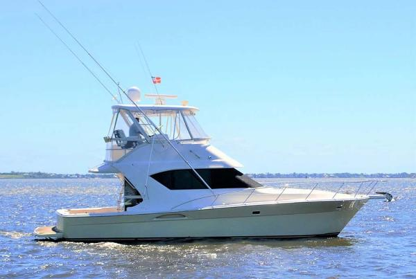 Wellcraft Riviera 400 Coastal Profile