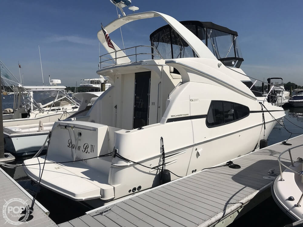 Silverton 330 Sport Bridge 2002 Silverton 330 Sport Bridge for sale in Staten Island, NY