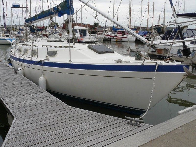 Challenger Boats 35