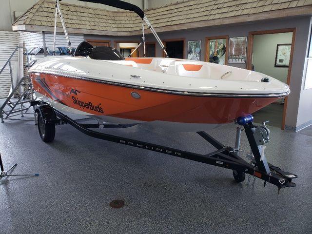Bayliner Deck Boat Element E16