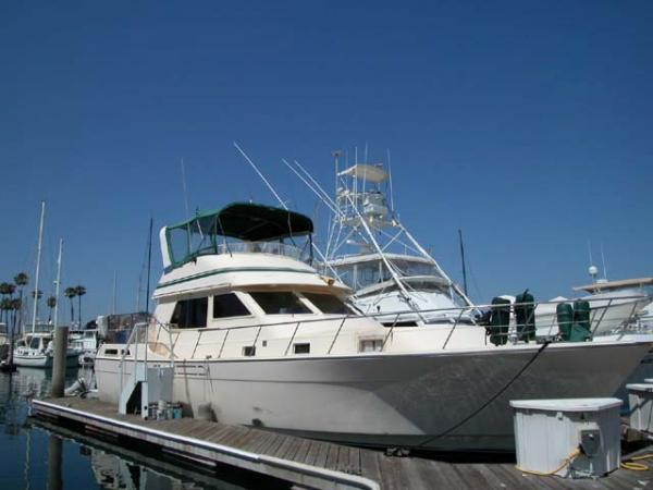 48' ANGEL AFT DECK MY 1985 At the dock
