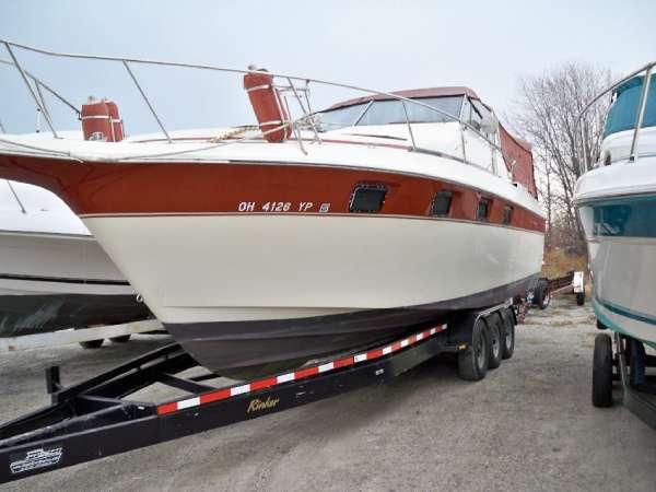 Cruisers Yachts 336 Ultra Vee