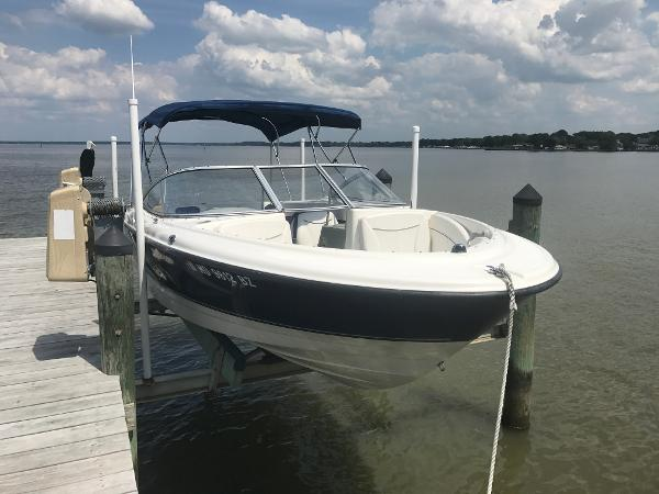 Bayliner 215 Discovery BR
