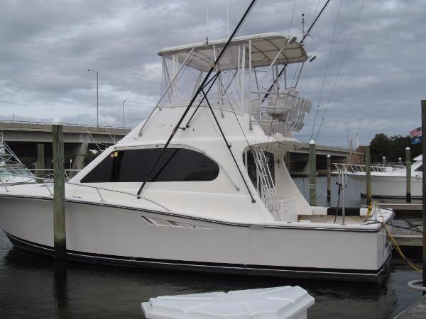 Luhrs Tournament 380 Convertible