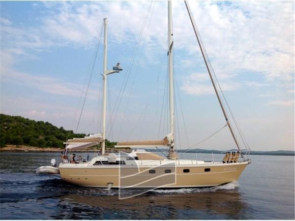 Ferretti Yachts Altura 422 IMG_1414.jpg