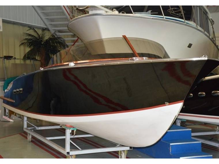 Britamarine R24 Black Edition Motorboot