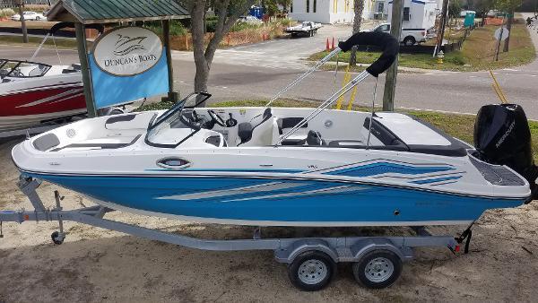Bayliner VR6 Outboard