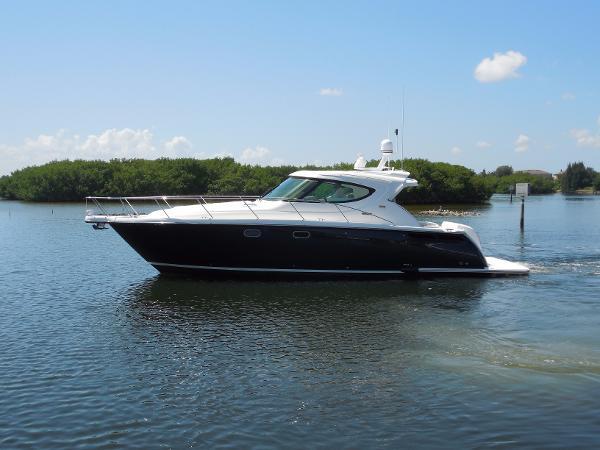 Tiara 45 Sovran Port Profile