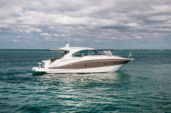 Cruisers Yachts 410 Cantius Starboard Profile
